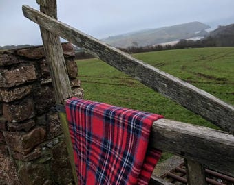 Vintage wool picnic blanket throw - red tartan
