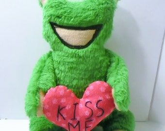 Frog Plush, Frog Stuffed Animal, Valentine Gift for Kids, Frog with Plush Heart, Frog Softie, Toy Frog for Kids, Valentine Message Frog