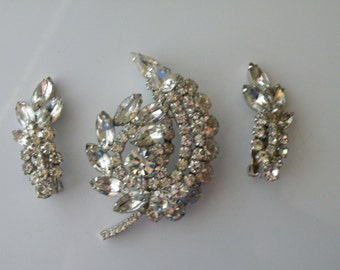 DeLizza and Elster, Inc Juliana clear rhinestones brooch, clip-on earrings. Set.
