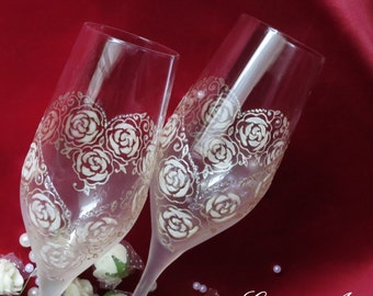 Hand painted glasses, wedding flutes, champagne glasses, romantic wedding, hearts from roses, personalized wedding gift, set of 2