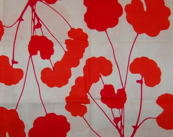 Marimekko Poimulehti cotton fabric, 1/2 yards from Finland