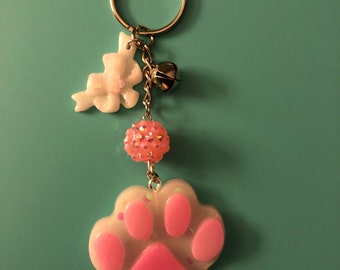 Pawprint keychain