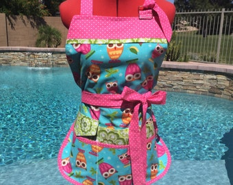 Sassy Owl Vendor Apron with Bib, Learning Apron with D rings perfect for Teachers, Crafts, Back to School, Regular and Plus Sizes