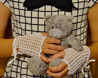Crochet Fingerless girl mitts /  lacy fingerless gloves  for girls 6-9 years