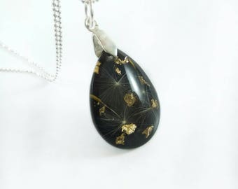 Terrarium jewelry Black necklace for women Dandelion necklace Botanical jewelry Resin jewelry Real flower necklace Make a wish necklace