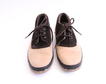 Classic Vintage 90s Rain Shoes