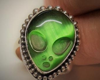 Designer Alien UFO Ring Sterling Silver 925 and Green Cats Eye. Wear to AlienCon!