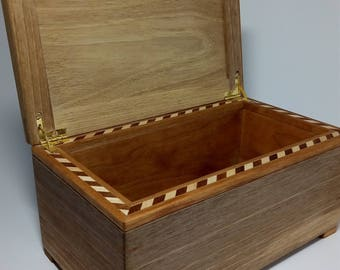 Jewellery box wallnut and cherry made by hand