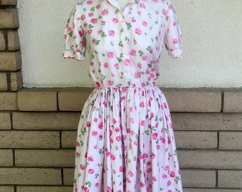 50's Fit and Flare Dress . Shirtwaist Dress in Pink Rose Garden Print Size Small