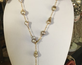 Cream Baroque Pearl Lariat Necklace with Matching Earrings