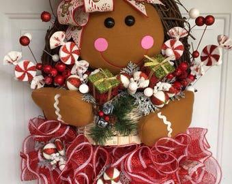 How To Make A Gingerbread Girl Wreath, DIY Christmas wreath, DIY Christmas Door Hanger