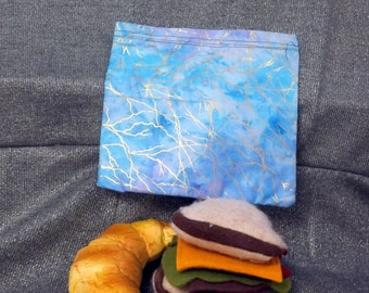 Reusable Sandwich Bag, Gold in The Water Design