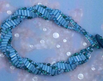 Iridescent Blue Spiral Beaded Bracelet / DNA / Helix / handmade / gifts for her / gifts for girls / stocking stuffer / beautiful / elegant