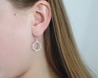 Dainty Hammered Hoops, Hoop Earrings Circle, Minimal Earrings in Sterling Silver, Delicate Earrings
