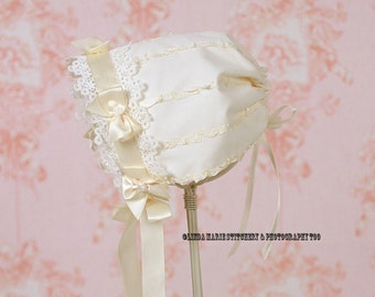 Cotton and Lace Baby Bonnets (Off White)