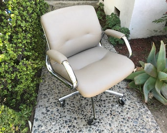 MID CENTURY MODERN Steelcase Tubular Rolling Desk Chair (Los Angeles)