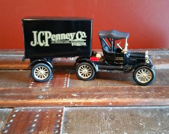 Vintage ERTL  J.C. Penney Replica 1918 Ford Model T Runabout Die Cast Bank w/Key