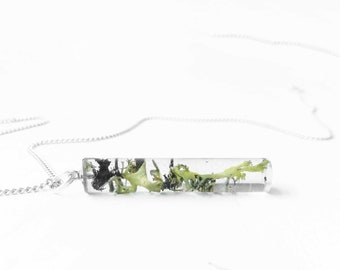 Lichen necklace - lichen resin pendant - live moss pendant - nature inspired jewelry - nature necklace - terrarium necklace