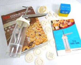 Vintage Cookie Press, Cookie Maker for Spritz Cookies, Decorator Press, clear plastic tube, housewares, woman, kitchenware baking vintage