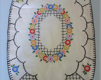 "Vintage 28x16"" Linen Table Runner Dresser Scarf Tablecloth with Floral Hand Embroidery Cross Stitch"