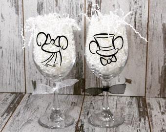 Mickey And Minnie Bride and Groom Wine Glass set, wedding, mickey, Disney, wedding glass, wedding gift, Wine Glass , 20 dollar gift