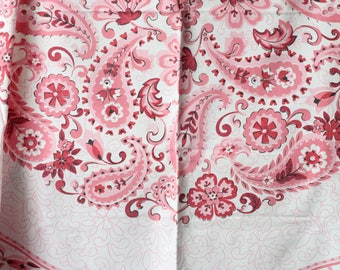 Vintage 50s Shabby Chic Cottage Red Pink on White Flowers Paisley Print Tablecloth / square Cotton Linen