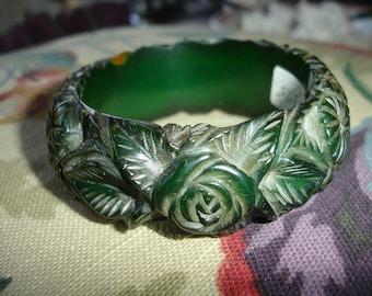 1L Carved Bakelite Bracelet