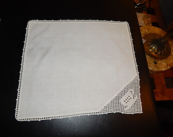 Vintage Cloth Napkin with Tea Cup Crocheted at Corner