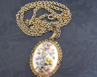 Vintage Spring Easter Necklace Flower Glass Cabochon Goldtone Long Bold Chain 29 inch Mid Century Jewelry