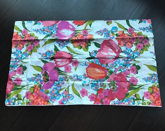 Beautiful unused vintage pillowcases  - set of two - bold florals