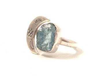 Crescent moon ring - Raw Blue Apatite & half moon Sterling sterling silver  Women's hammered Ring- Women's Ring, size 6.5