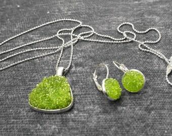 Green Glass Bead Jewelry Set