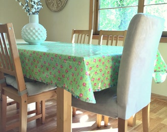 Laminated Cotton Tablecloth   Scattered Roses In Green