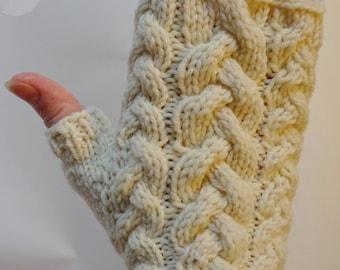 Fingerless Gloves: Snowy White Mitts