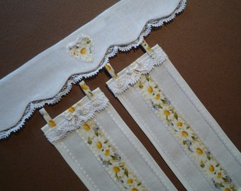 Dollshouse curtains and valance in 1:12 scale