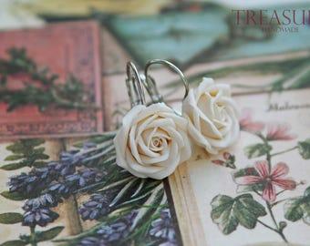 Ivory rose earrings, rose earrings, ivory flower earrings, flower earrings, white rose earrings, white flower earrings, bridal