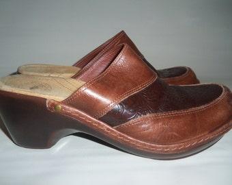 Vintage Tooled Leather Slip on Clogs Mules Nurture 7.5