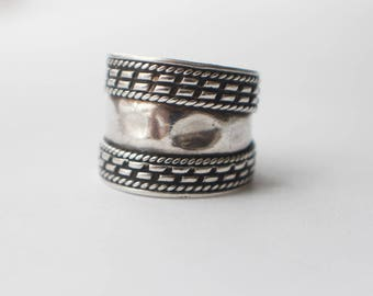 Bohemian Silver Dome Top Graduated Shaped Band Design Ring  US size 6.50 UK size M 1/2