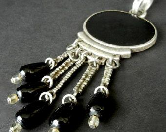 Vintage Black Onyx or Jet Dangle Pendant  gl18