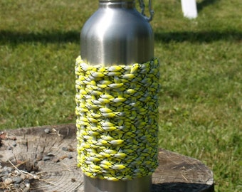 Water bottle with paracord wrap