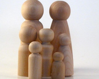 Wooden Peg Doll People Large Family - Plus one Tree