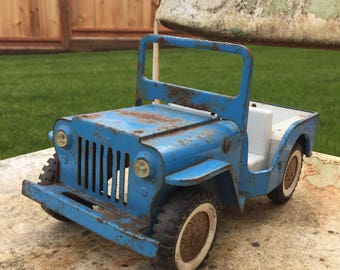 Vintage toy Tonka metal bank truck , prettyblueand chippy paint , rusted