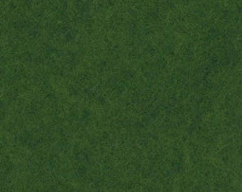 Coupon of grass green felt 30 to 45 cm