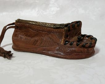 Vintage tooled leather zippered coin purse shaped like a shoe, leather coin purse, shoe coin purse, leather shoe coin purse