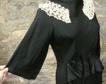 BLACK CREPE DRESS 1910's 1920's 1930's ?? lace trim S M (A6)