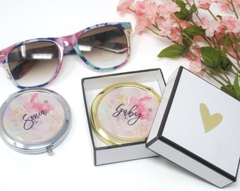 8 Personalized Floral Compacts- Bridesmaids Gifts - Bridal Party Gifts - Maid of Honor - Wedding Favors (Set of 8)