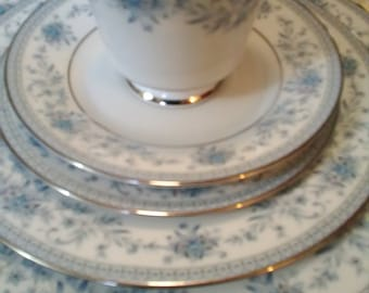 Noritake Blue Hill set of 5 for 1 person