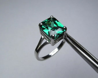 CLEARANCE Elegant Emerald Green CZ Octagon in Sterling Silver Ring