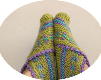 Green Knit Slippers-Cottage Slippers-Home Shoes-Traditional Turkish Indoor Hand Knit Shoes -Size 6.5 - 7.5