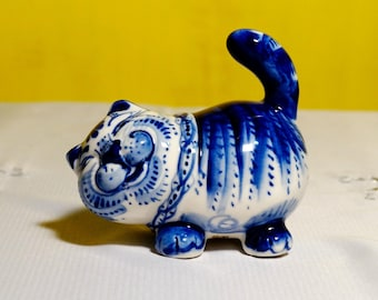 Russian porcelain Figurine fat cat Gzhel handmade hand painted Souvenirs Russia